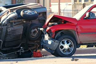 Risks of Failing to Speak With a Car Accident Injury Lawyer | The
