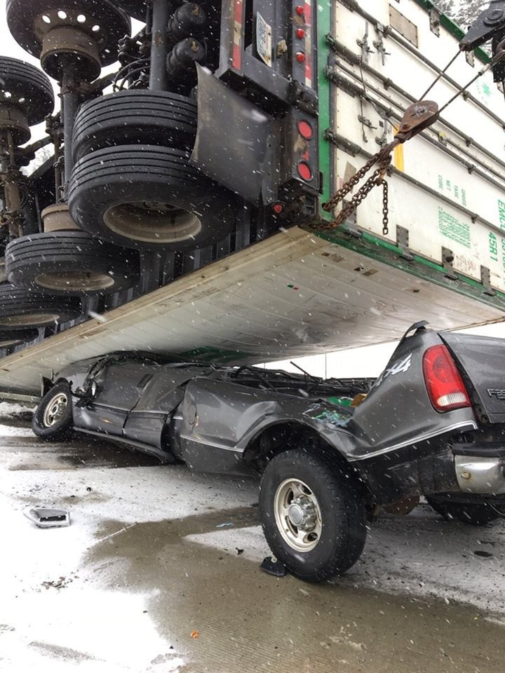 How Semi Truck Blind Spots Cause Serious Accidents Injuries