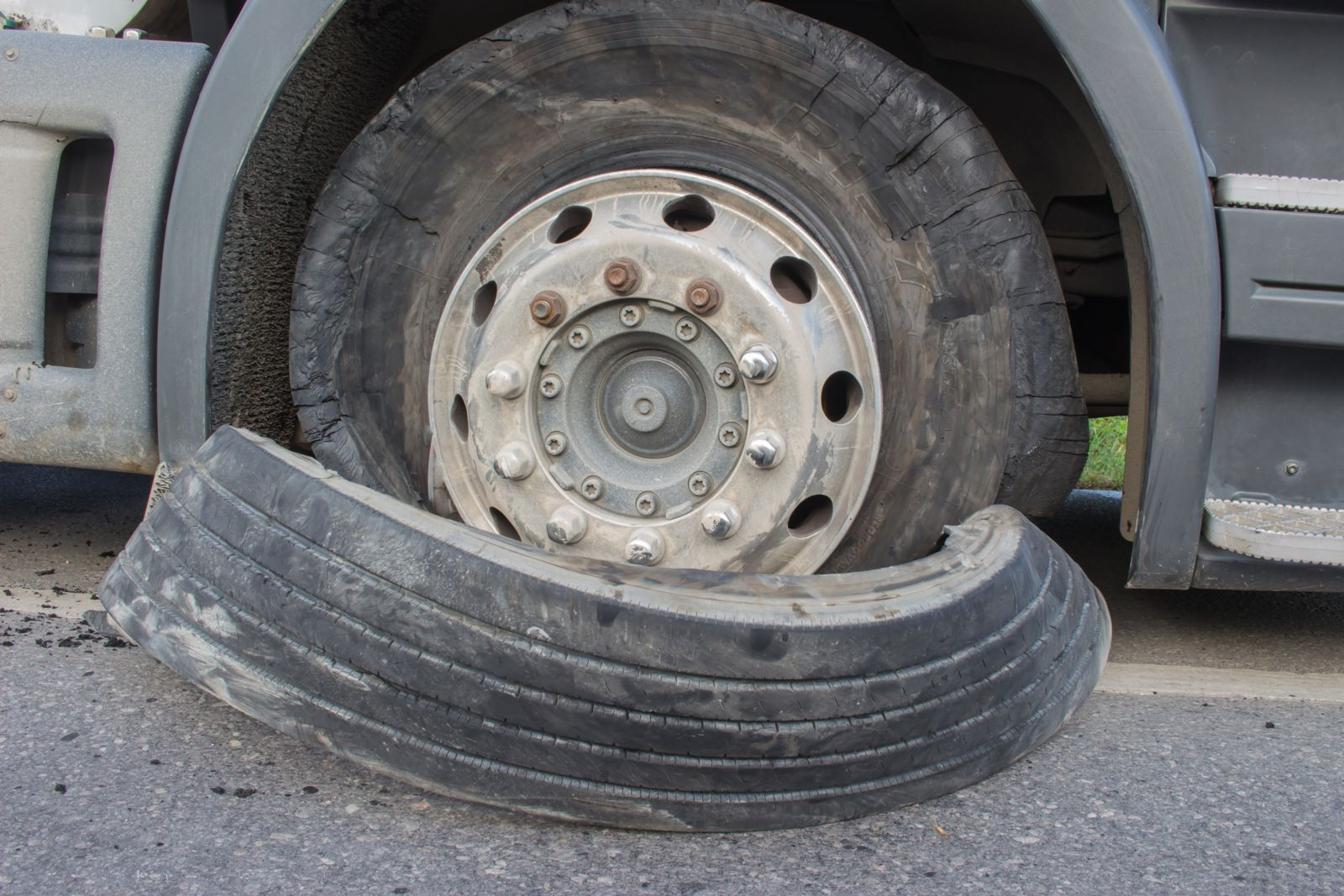 Semi Truck Tires Near Me >> Who Is At Fault For A Truck Tire Blowout Accident Max Meyers Law Pllc